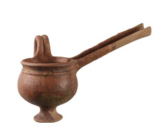 Ceramic spouted vessel