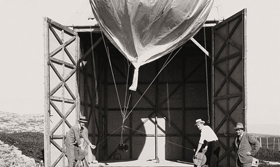 Aerial photography at Megiddo using a meteorological balloon, 1931